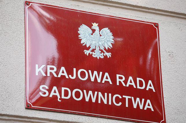 """Głosowanie w KRS w sprawie wystąpienia z Europejskiej Sieci Rad Sądownictwa. 9 głosów """"przeciw"""", 7 - """"za"""""""