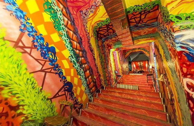 To chyba najbardziej kolorowy akademik na świecie. Wszystko dzięki grupie ulicznych artystów