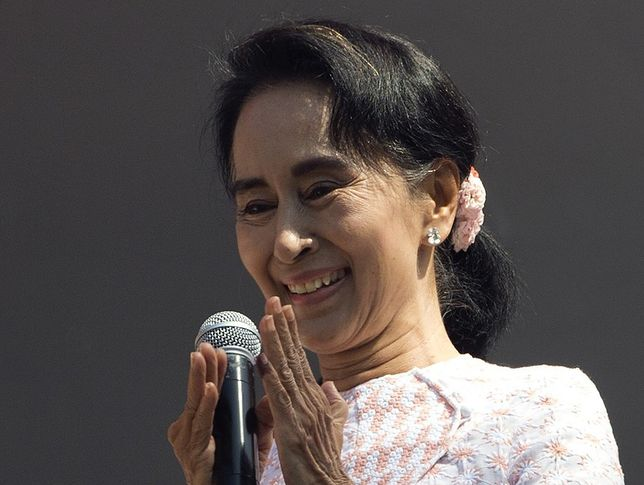 Aung San Suu Kyi odpiera zarzuty. Zapewnia, że ma normalne relacje z generałami