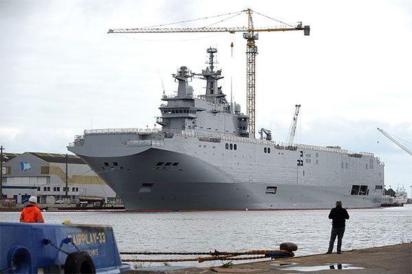 Francuski Mistral wyszedł w morze z rosyjską załogą