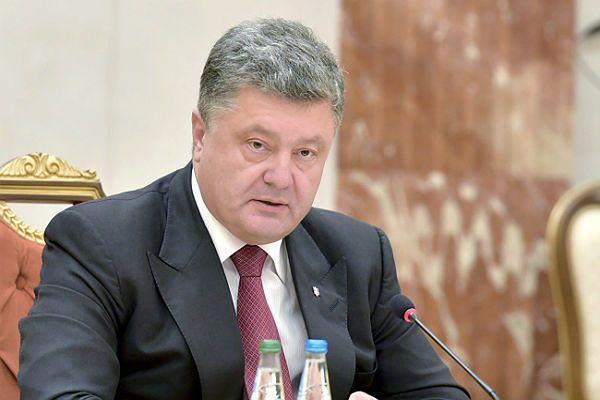 """Petro Poroszenko: powstanie plan """"absolutnie obustronnego"""" zawieszenia broni na wschodzie Ukrainy"""
