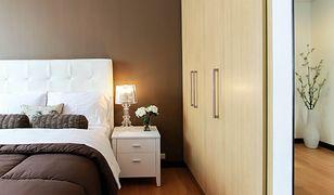 Z odpowiednią narzutą sypialnia będzie dobrze się prezentować