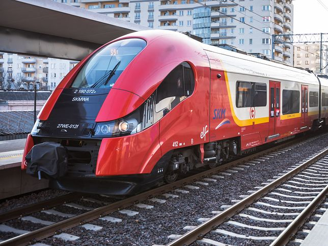 SKM zapewnia, że od 15 marca pracownicy pociągów nie mają kontaktu z pasażerami.
