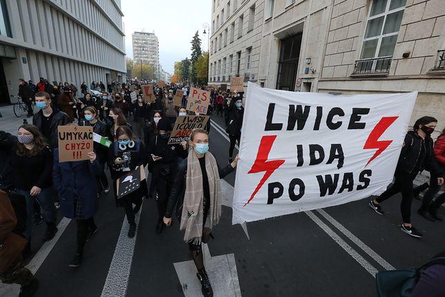 Strajk kobiet. Protest w Warszawie. Reporter WP na miejscu