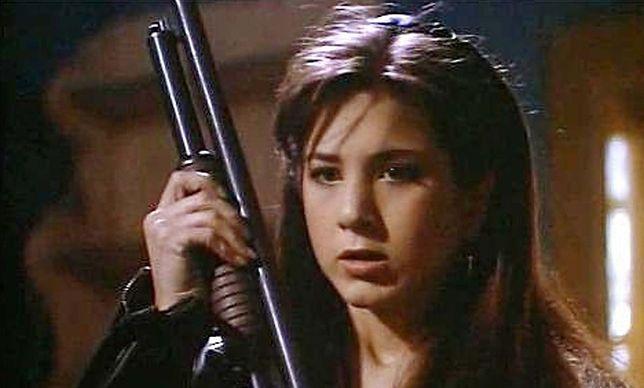 """Jennifer Aniston i jej stary nos w horrorze """"Karzeł"""" z 1993 r."""