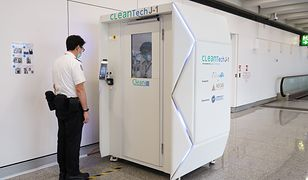 Aktualnie kabinę testują wyłącznie pracownicy lotniska w Hongkongu