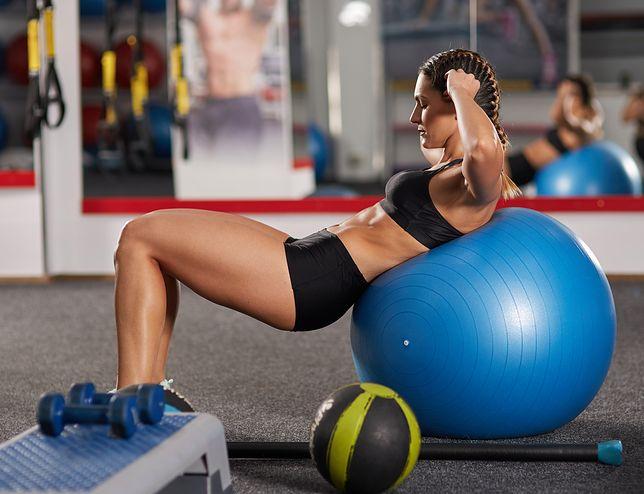 Ćwiczenia na brzuch na siłowni - które są najskuteczniejsze?