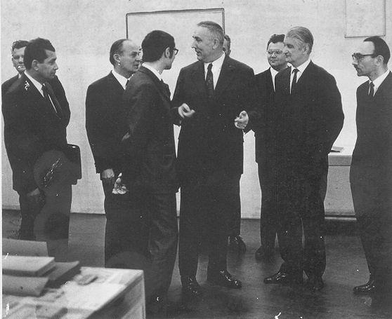 1972 rok, wizyta Edwarda Gierka w zakładach Elwro. Zdjęcie własność - Andrzej Myszkier (www.elwrowcy.republika.pl)
