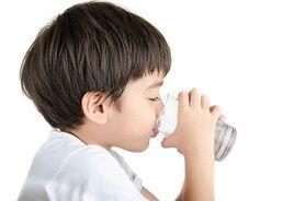 Zachłyśnięcie – co robić, gdy dziecko się zachłyśnie? Pierwsza pomoc