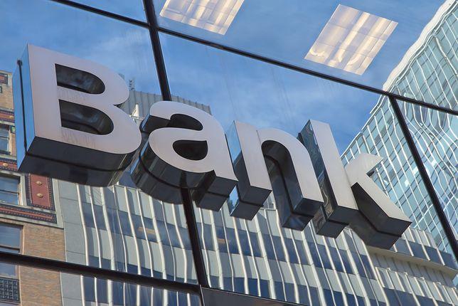 Przerwy w bankach. Utrudnienia zapowiada aż dziesięć firm