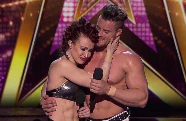 Wypadek w amerykańskim Mam Talent. Wypuścił żonę z rąk podczas akrobacji na scenie