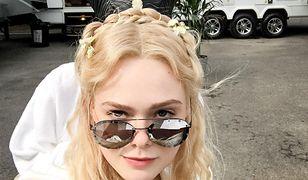 Fani pokochali zdjęcia Elle Fanning z planu zdjęciowego