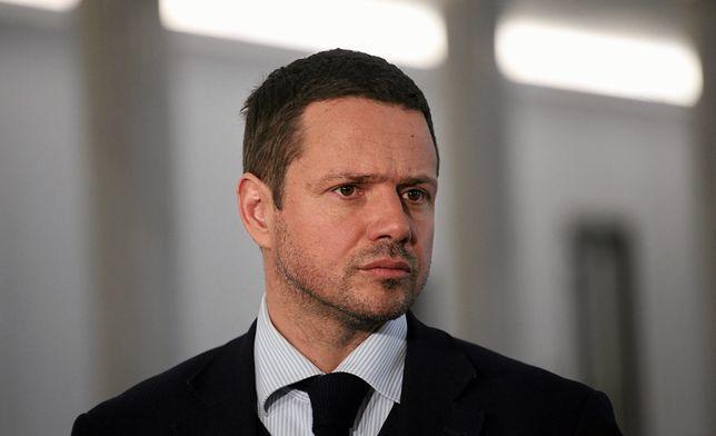Rafał Trzaskowski uważa, że ktoś wysyłając mu nieprzyzwoite wiadomości, chce go zdyskredytować