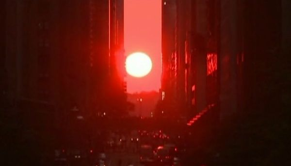 Zjawiskowy zachód słońca nad Manhattanem