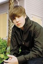 Salma Hayek, Ray Romano i Gary Oldman grają Justina Biebera