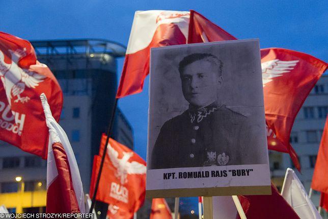 """Manifestacja narodowców ku chwale """"Burego"""" w Gdyni"""