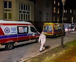COVID-19. Sznur karetek przed szpitalem. Zdjęcie z Zabrza niesie się lotem błyskawicy