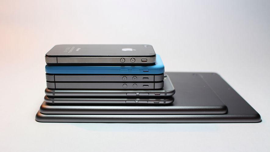 Oto świetna porównywarka smartfonów w 3D: iPhone XS, Galaxy S9 i wiele innych modeli