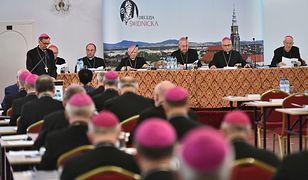 Ks. Andrzej Dymer nie żyje. Duchowny uderzył w biskupów