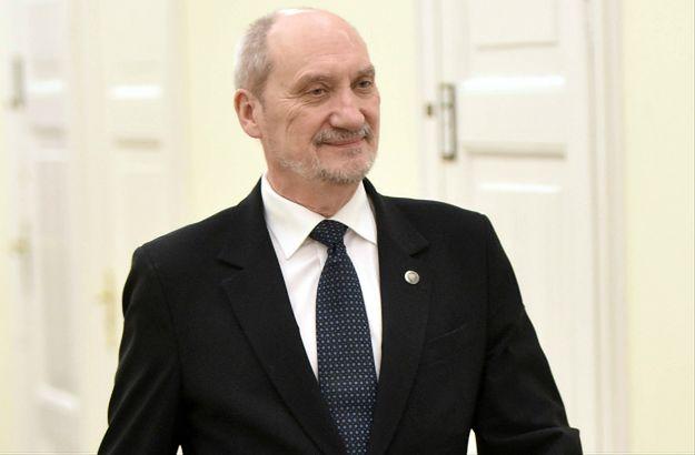 Ranking zaufania do polityków: prezydent i premier na czele. Antoniemu Macierewiczowi nie ufa 50 proc. badanych
