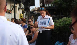 Agnieszka Koneczna opiekuje się turystami w Słonecznym Brzegu i oprowadza ich po okolicznych atrakcjach, m.in. zabytkowym miasteczku Nesybyr
