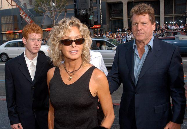 Farrah Fawcett z synem Redmondem i jego ojcem Ryanem O'Nealem