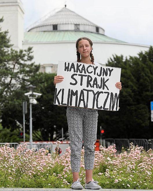 """""""Wakacyjny strajk klimatyczny"""" 13-latki przed Sejmem"""