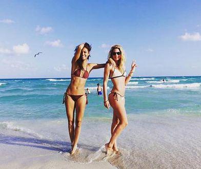 Doutzen Kroes i Joan Smalls prężą się w bikini