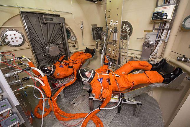 Zarobki w NASA nie powalają, ale jest jeden haczyk