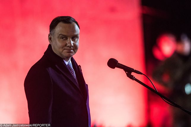 Od grudnia w takim samym stopniu przybyło ocen pozytywnych, jak i negatywnych Andrzeja Dudy