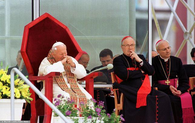 Papież Jan Paweł II, Angelo Sodano i Piero Marini (Sosnowiec, 1999 r.)