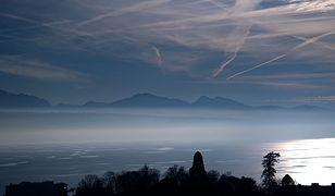 Jezioro Genewskie zajmuje powierzchnię 581 kw kw.