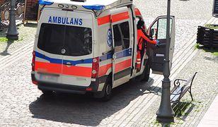 Za znieważenie i naruszenie nietykalności cielesnej ratowników medycznych grożą trzy lata więzienia