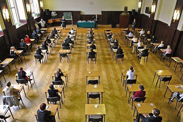 Ponad 3,5 tys. gdańskich gimnazjalistów rozpoczęło egzaminy. Wyniki zdecydują o ich przyszłości