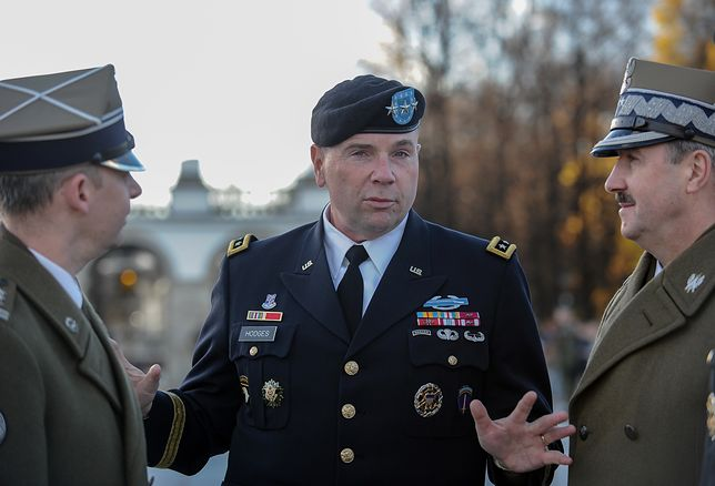 """Gen. Frederick """"Ben"""" Hodges w rozmowie z polskimi dowódcami"""