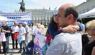 Polski ojciec walczy o dziecko. I zwykle przegrywa
