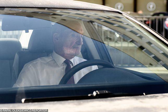 Nieoficjalnie: Antoni Macierewicz wymyślił dla siebie nową funkcję. Już czyni zabiegi