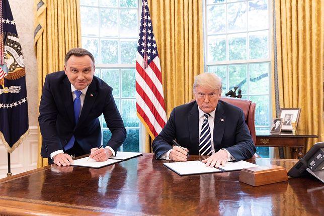 """Andrzej Duda skomentował zdjęcie z Donaldem Trumpem. Mówi o """"szyderstwie i napadzie lewackich mediów"""""""