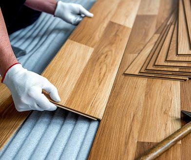 Jakie drewno wybrać na parkiet do salonu?