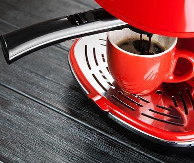 Mały ekspres najczęściej pozwala na przygotowanie jednej porcji kawy