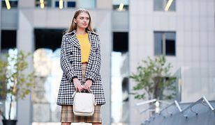 Dobrze połączone dwa rodzaje kratek stworzą modny i ciekawy strój