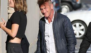 Wyglądali jak ojciec z córką. Sean Penn ma dzieci w wieku swojej dziewczyny