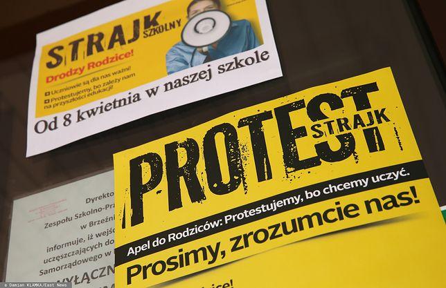 Strajk Nauczycieli 2019 rozpoczął się 8 kwietnia. Na jego czele Sławomir Broniarz. W październiku protest zmienił się  we włoski strajk nauczycieli 2019