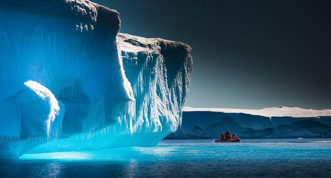 Dryfujący lodowiec zagrożeniem dla naszej planety? Eksperci wyjaśniają
