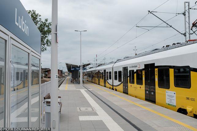 Mieszkańcy Raszówki mają odpowiedzieć za protest na torach kolejowych