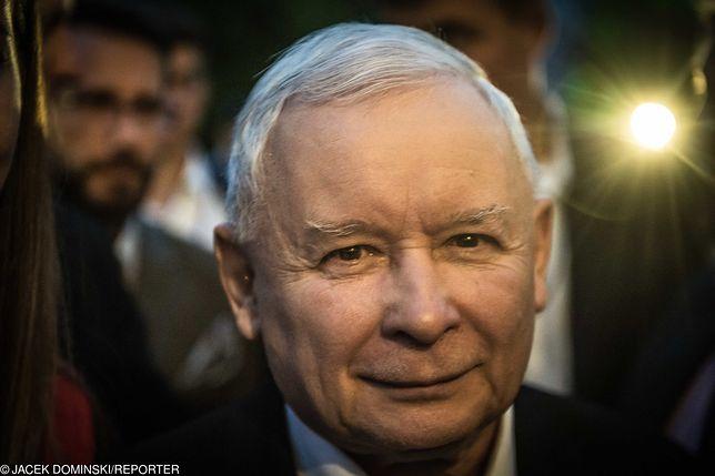 Sondaż. Ugrupowanie Jarosława Kaczyńskiego na czele