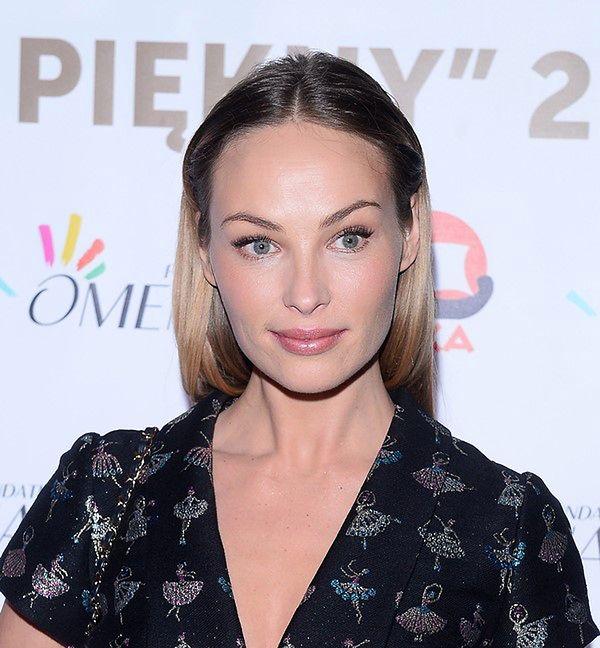 Naturalna Weronika Książkiewicz na premierze kalendarza