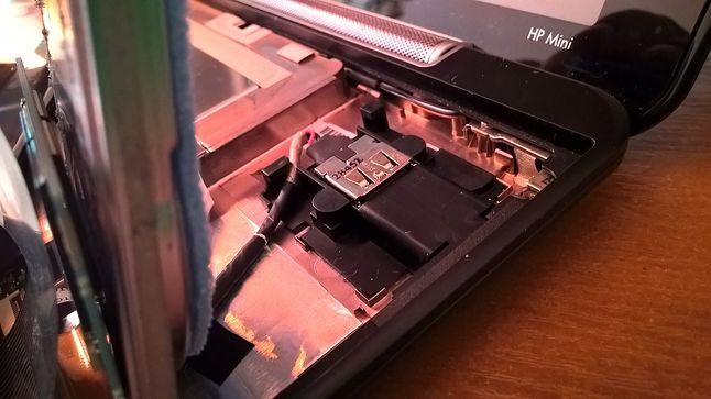 ... to nieszczęsne gniazdo USB .