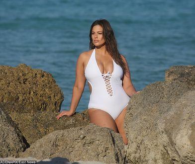 Ashley Graham znów prowokuje. W kusym bikini pozuje w Miami