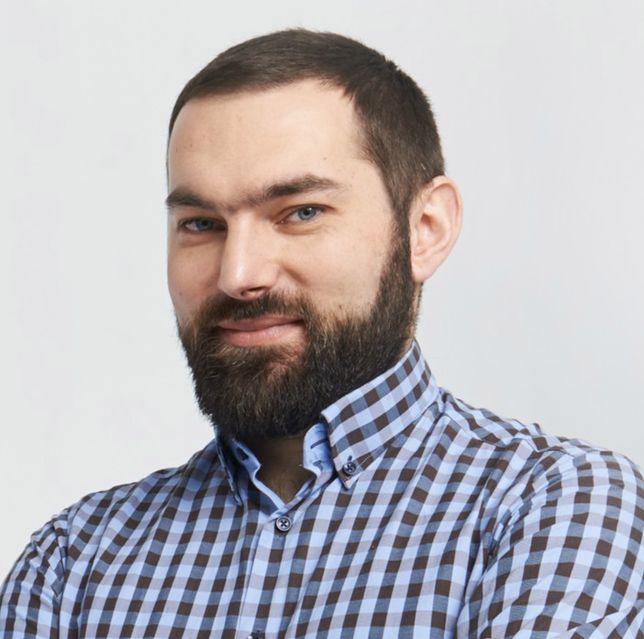 Dominik Batorski jest ekspertem ds. prywatności w sieci